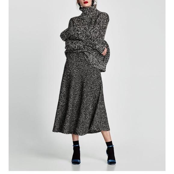 f0854c9b79 Zara knitted midi skirt. M_5a839f36739d48cf38dd0b04